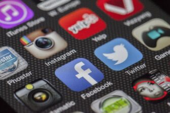 5 apps every Christian needs on their phone