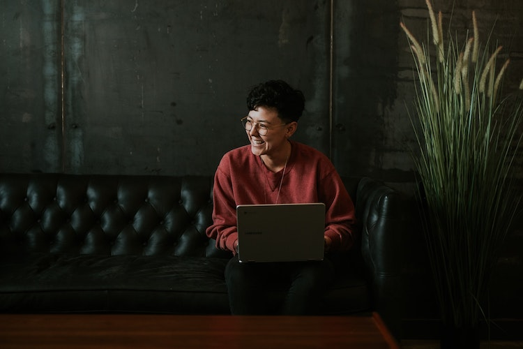 Christians can make disciples by answering emails